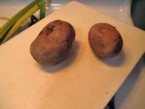The two cute potatos that are about to become tonight's supper.